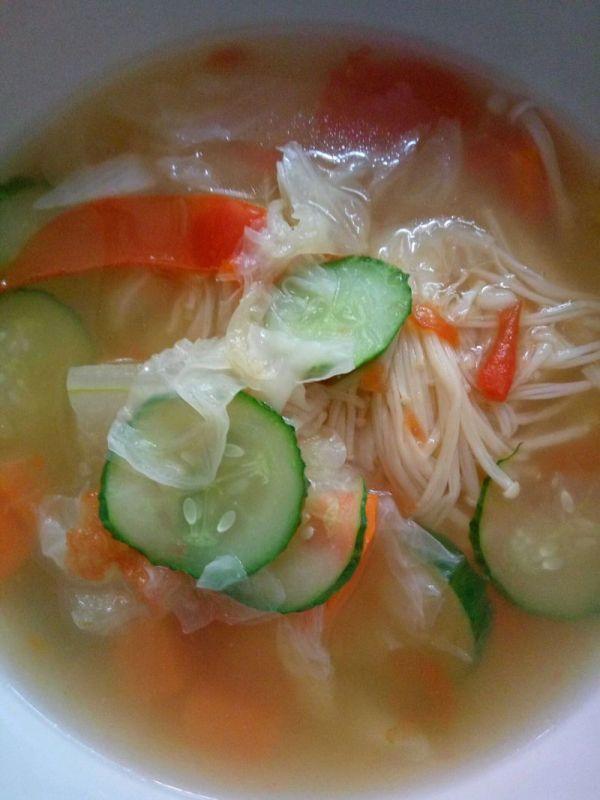 蔬菜汤减肥法 减肥菜谱 第2张